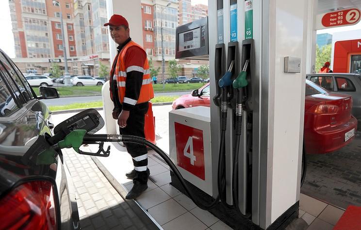 """""""Независимый топливный союз"""" назвал клеветой заявления ФАР о недоливе бензина на АЗС"""