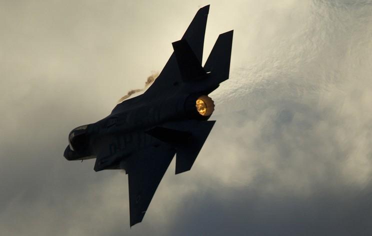 СМИ: ПВО Сирии отразили израильский удар по военным позициям в Эль-Кунейтре