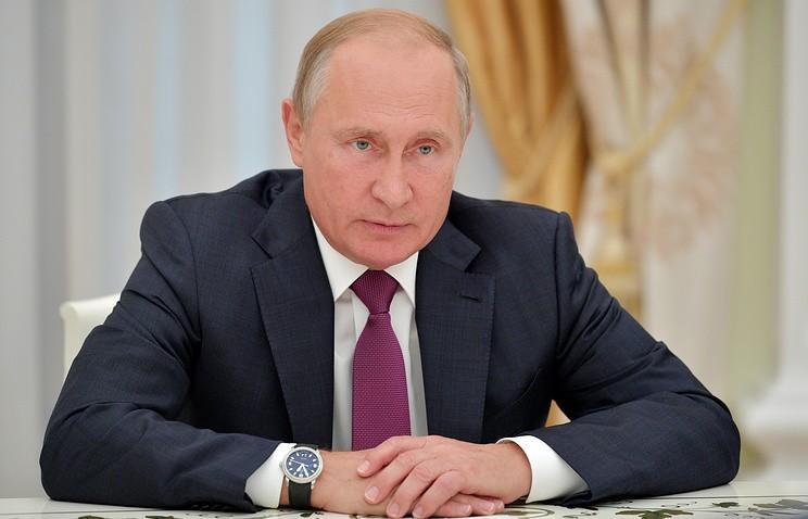 Путин освободил от должностей 15 генералов