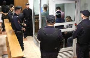 «Мывсе выросли вкультуре насилия»: монологи пикетирующих вподдержку сестер Хачатурян