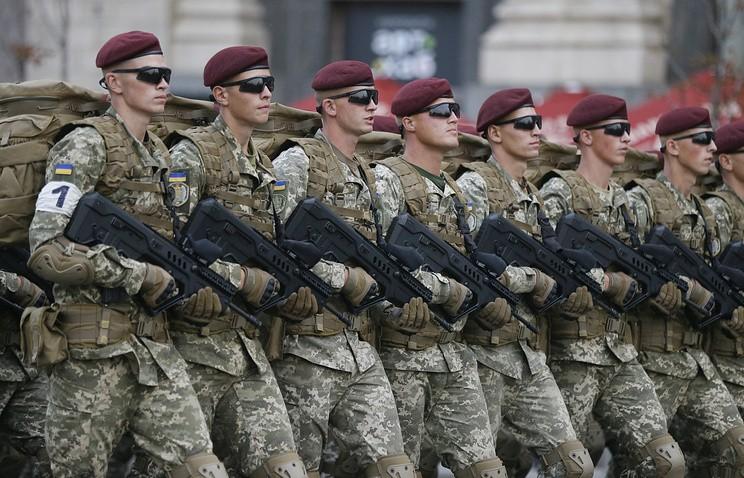 """Украинский депутат заявил, что военный парад в Киеве вызовет """"землетрясение в Кремле"""""""