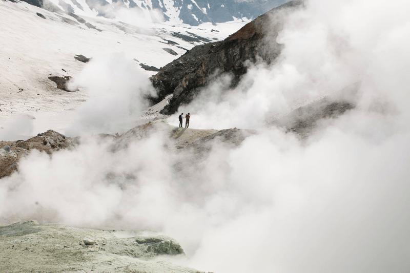 В десяти метрах от лавы и медведя: почему не жалко тратить деньги на Камчатку