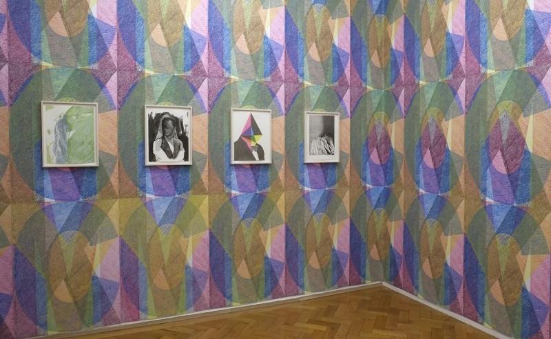 Как устроены ярмарки современного искусства в Европе и в России