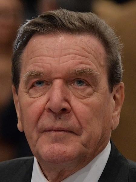 Экс-канцлер Германии Шредер: Крым придется признать российским