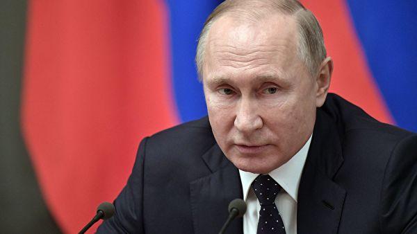 Путин подписал закон о продлении договоров аренды госимущества без торгов