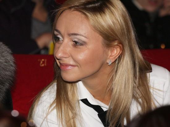 Ани Лорак показала редкое фото Навки без макияжа