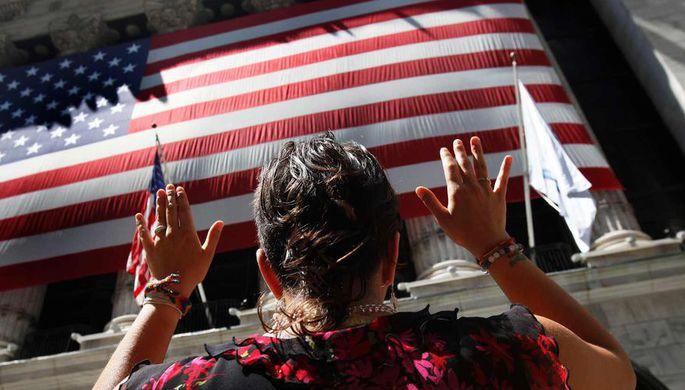 Рекордное количество американцев захотели уехать из страны
