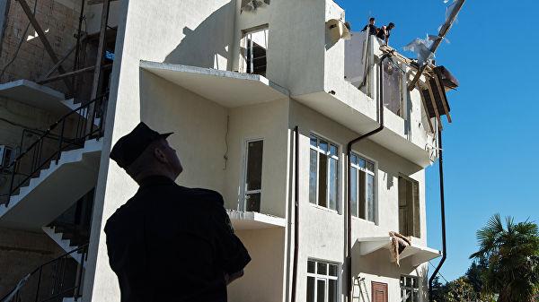 В Сочи снесены первые многоквартирные дома, признанные судом самостроями