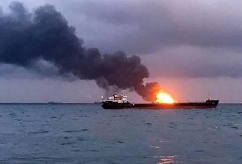 Названа вероятная причина возгорания танкеров близ Керченского пролива