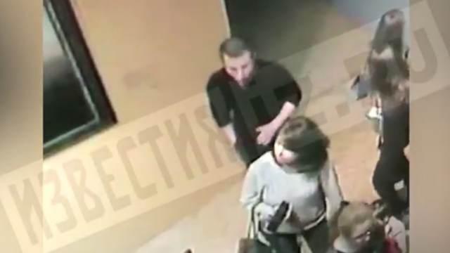 РЕН ТВ публикует видео с подозреваемым в краже картины в Третьяковке