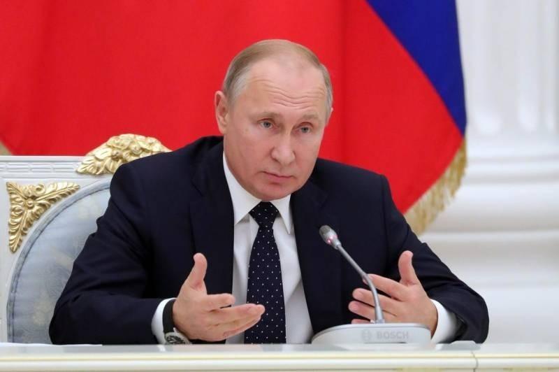 Французские СМИ раскрыли секрет популярности Путина