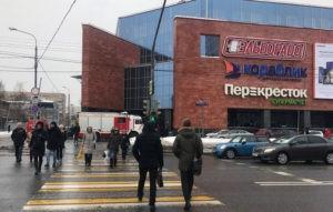 Здесь штукатурка падала при Александре IиСемене Шапиро. Репортаж изстарейшего театра Беларуси