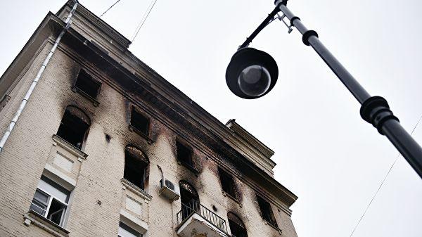 Восстанавливать горевший в центре Москвы дом будут полгода