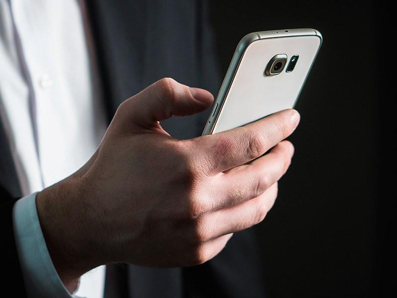 """Дума приняла в первом чтении законопроект о """"народных инспекторах"""" со смартфонами"""