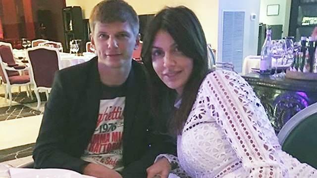 В чем жена обвиняет футболиста Аршавина