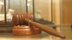 Экс-главе правительства Чувашии вынесли замечание за оскорбление