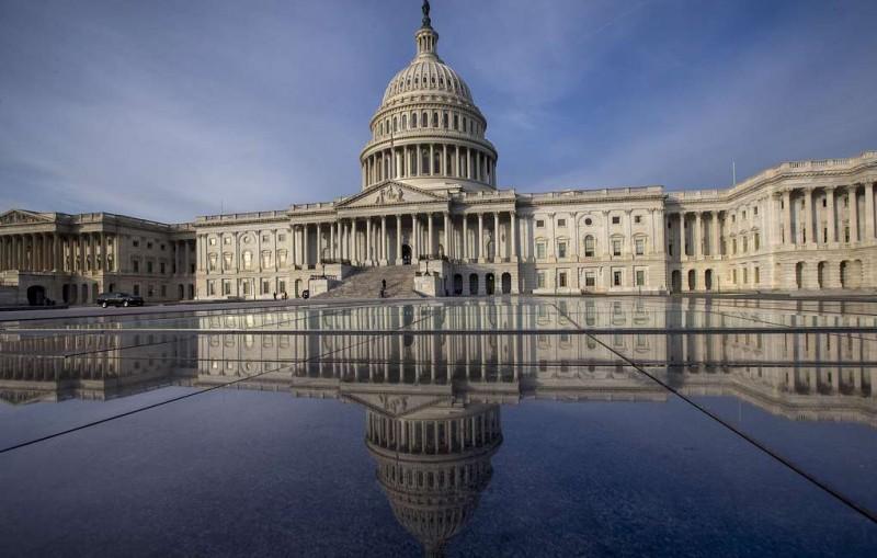 Сенат США одобрил санкции против Сирии и ее союзников