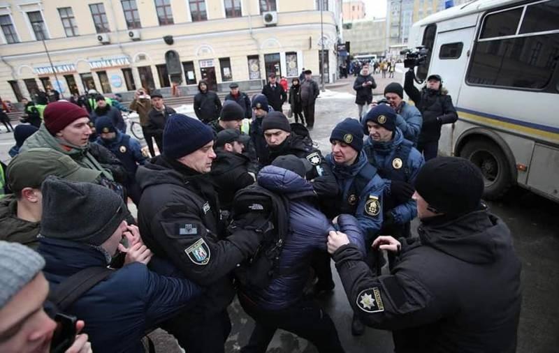 Аваков обвинил кандидатов в президенты в разжигании ненависти