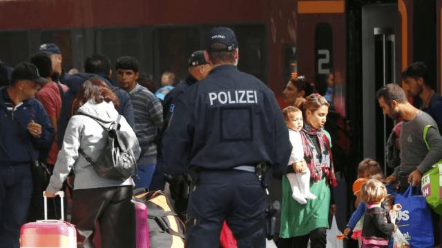 Мигранты изнасиловали двух несовершеннолетних девочек на частной квартире