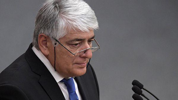 Депутат ГД предложил учредить аллею славы для заслуженных парламентариев