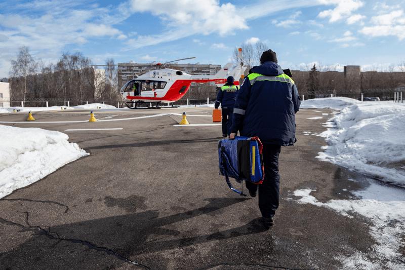 Скорая помощь навертолете: московские пилоты иврачи— освоей работе