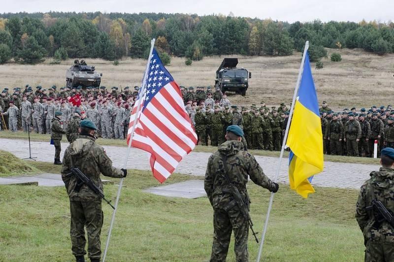 США продолжат оказывать Украине военную помощь