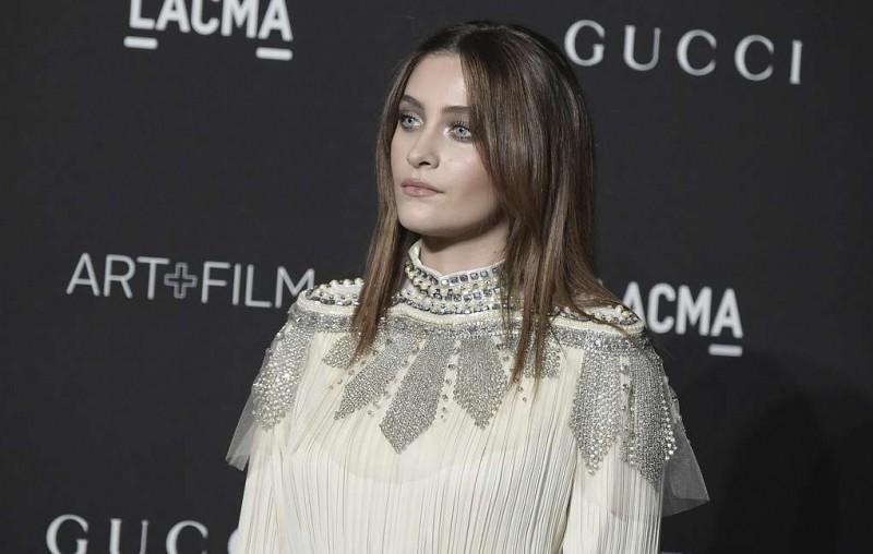 СМИ: дочь Майкла Джексона вернулась домой после госпитализации