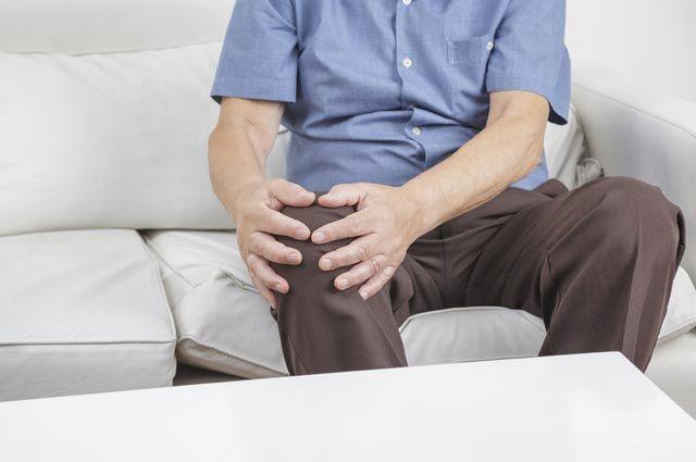 Какие мази помогут, если болят колени?