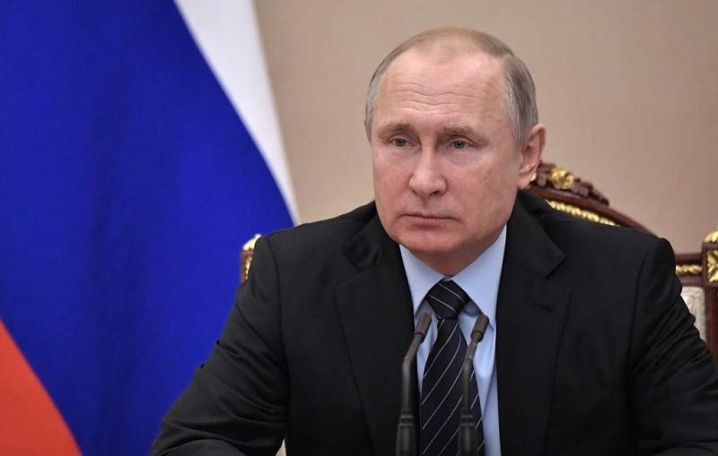 Путин почти вдвое увеличил размер пособий для родителей и опекунов детей-инвалидов