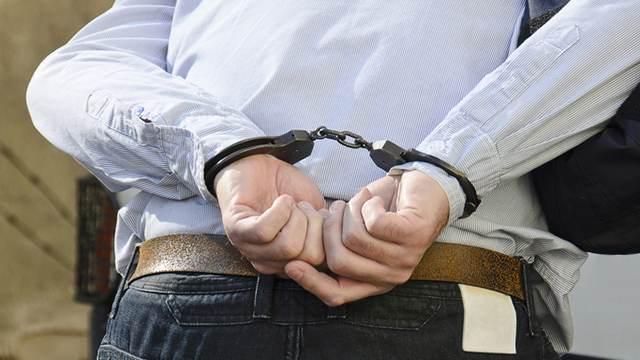 Задержан дебошир, напавший с молотком на сотрудницу московского метро