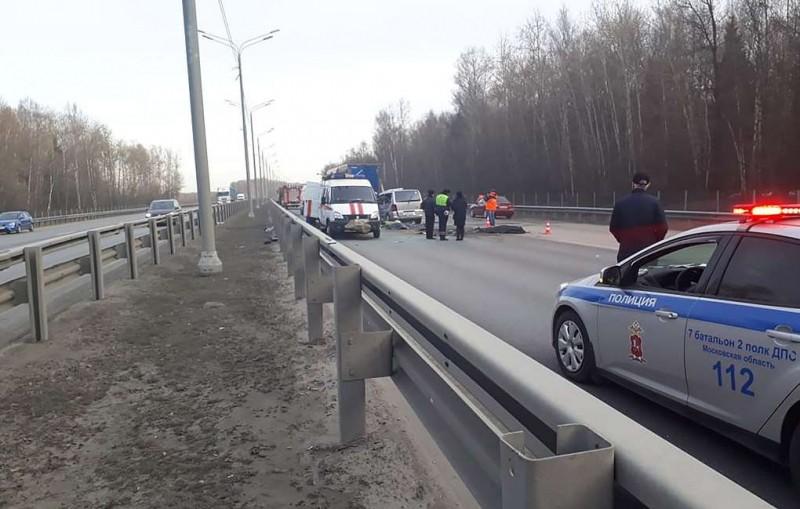 Водитель попавшего в ДТП в Подмосковье микроавтобуса работал нелегально