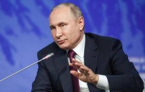 ВЦИОМ: более половины россиян считают, что отечественные программисты лучше американских