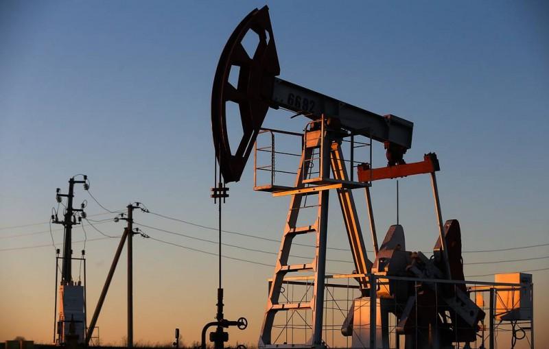 Нефтяники в 2019 году получат компенсацию из ФНБ в 400-450 млрд рублей