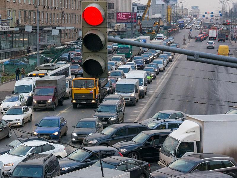 В России предложили ввести платные перекрестки для борьбы с пробками