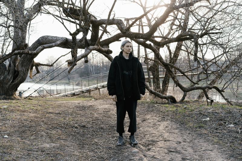 «Техно превратилось вконвейерную вещь дляфестивалей»: интервью сНикитой Забелиным