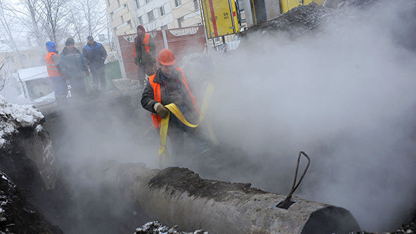 В Смоленске из-за аварии без горячей воды и тепла остались 20 тысяч жителей