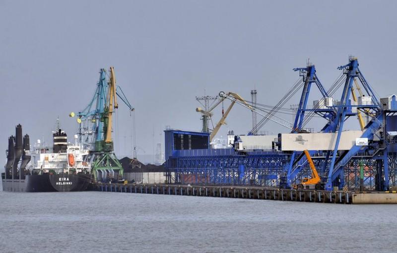 В порту Усть-Луга возобновилась отгрузка качественной нефти