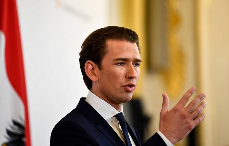 Канцлеру Австрии грозит вынесение вотума недоверия из-за развала правительства