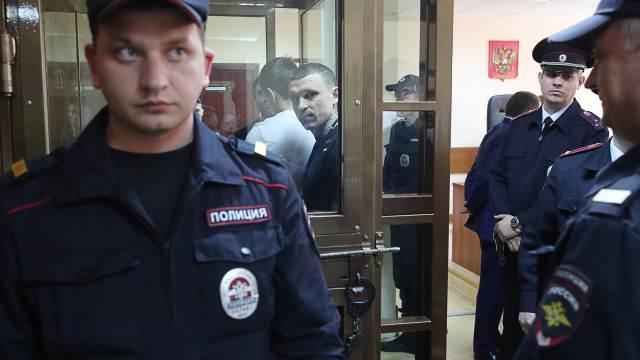 Суд решил судьбу Кокорина, Мамаева и стула из кафе
