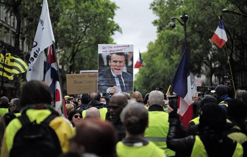 """""""Желтые жилеты"""" дали Франции передышку. Протесты были спокойными и малочисленными"""