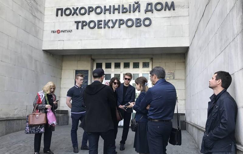 Прощание с Сергеем Доренко 12 мая не состоится из-за запрета полиции выдавать его тело