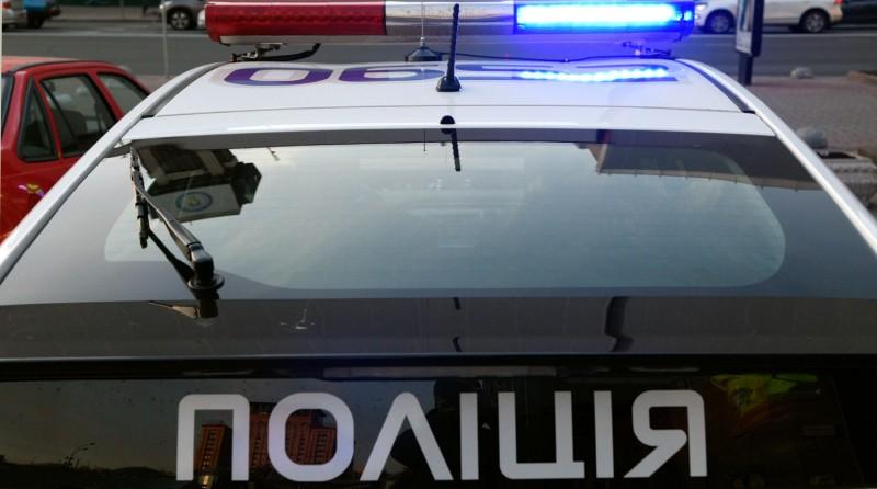 Истощенная 2-летняя девочка и два трупа найдены в киевской многоэтажке