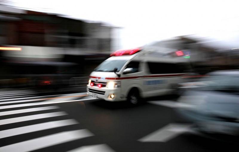 В результате наезда автомобиля на группу детей в Японии погибли два человека