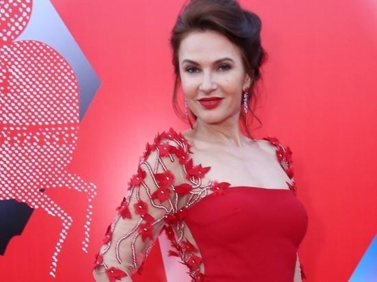 Эвелина Бледанс призналась в отсутствии секса