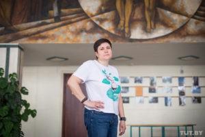 «245 подъездов хрущевок»: зачем фотограф Максим Шер собрал ихводной книге