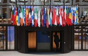 Мэй намерена вернуться в Брюссель, чтобы попытаться изменить сделку по Brexit