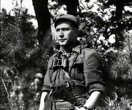 Выходит детектив «Очкарик». Один изего героев— Бурый, который в1946-м сжег белорусские деревни