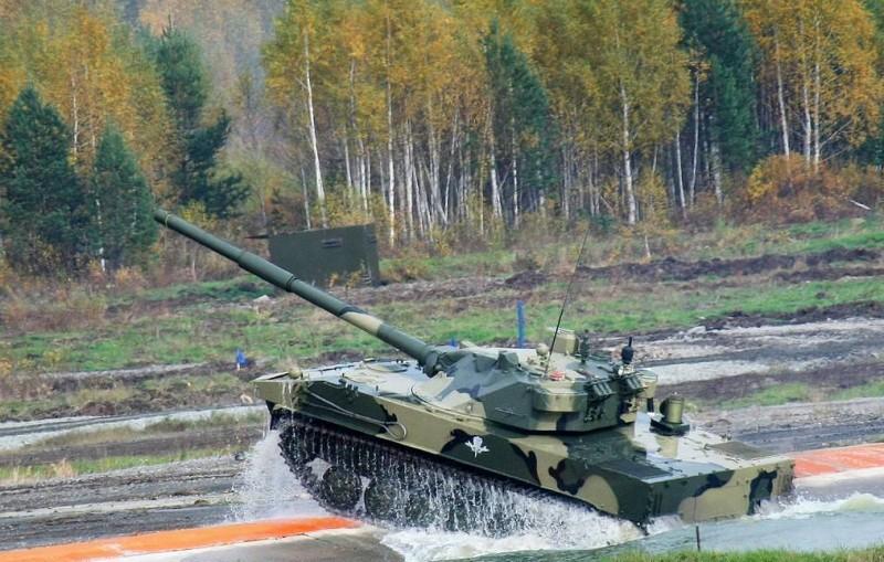 """В России создают новый плавающий танк на базе самоходной пушки """"Спрут"""""""