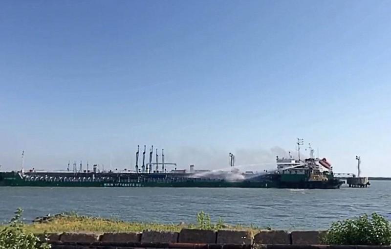 В Махачкале произошел взрыв на танкере