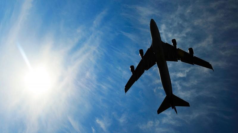 Аварийная посадка пассажирского самолета произошла в Астрахани